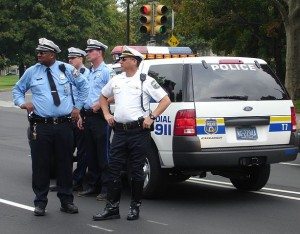 613px-Philadelphia_Police_-_gang_with_vehicle