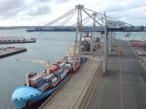 800px-K_Crane_Visit_ZPMC_In_Ports_of_Auckland_III