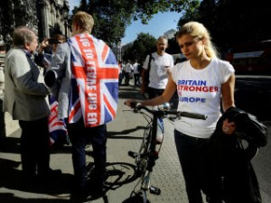 A divided country: young pro- and anti-Europe supporters on the street.