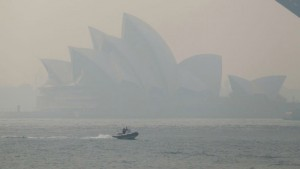 "SYDNEY, Nov. 21, 2019 -- Photo taken on Nov. 21, 2019 shows the Opera House covered in smoke in Sydney, Australia. Sydney's normally picturesque skyline was once again blanketed by thick smoke on Thursday, as around 50 bushfires continued to burn across Australia's east coast.     Deemed ""hazardous"" by the New South Wales State Department of Environment, health authorities have urged schools to keep children indoors during lunch breaks. (Photo by Bai Xuefei/Xinhua via Getty) (Xinhua/Bai Xuefei via Getty Images)"